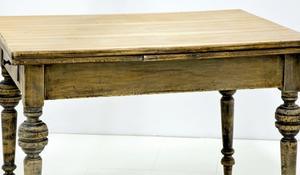 KROK V - Malowanie powierzchni stołu lakierobejcą